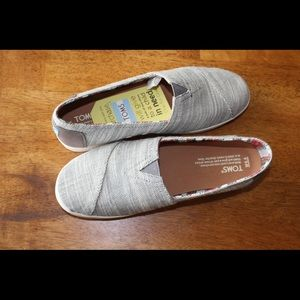 Brand new with tags Toms grey size 8.5